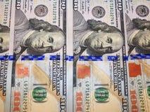 Hundert Dollarbanknoten Stockbild