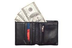 Hundert Dollarbanknoten in der schwarzen Geldbörse Lizenzfreies Stockbild