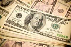 Hundert Dollarschein-Hintergrund- Stockfotografie