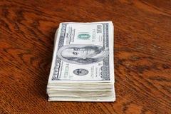 Hundert Dollarscheine Lizenzfreies Stockbild