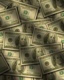 Hundert Dollarscheine, die flach liegen Stockfoto
