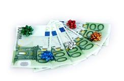 Hundert-Euro als Geschenk Lizenzfreie Stockfotografie