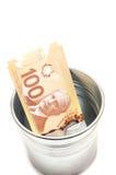 Hundert kanadische Dollarscheine in einem Topf stockfoto