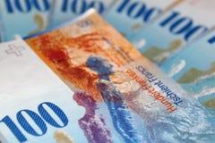 Hundert Schweizer Franc stockfotos
