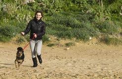hundkvinna Royaltyfri Foto