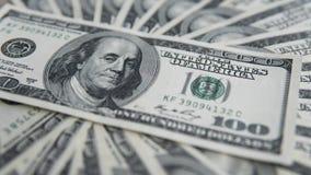 Hundra dollar hög Pengarbakgrund, hög av dollar, finansiellt begrepp av förtjänster Top beskådar finansiellt Royaltyfri Fotografi