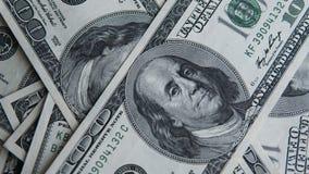 Hundra dollar hög Pengarbakgrund, hög av dollar, finansiellt begrepp av förtjänster Top beskådar finansiellt Royaltyfri Bild