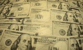Hundra dollaramerikansedlar Arkivbilder
