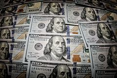 Hundra dollaramerikansedlar Arkivfoton