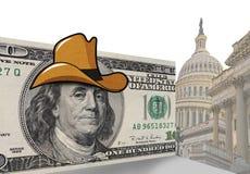 Hundra dollarräkning i cowboyhatt Arkivfoto