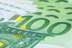 Hundra euroräkningar Arkivfoton