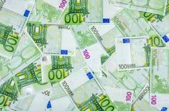 Hundra euroräkningar Arkivfoto