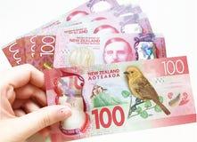 Hundra nyazeeländska dollar royaltyfria bilder