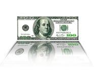Hundra USA dollar som isoleras på vit Royaltyfri Foto