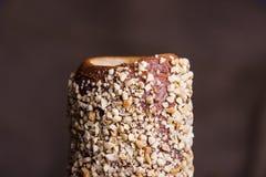 Hungarian um naco redondo com amendoins imagens de stock royalty free