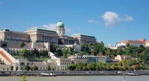 БУДАПЕШТ, HUNGARY/EUROPE - 21-ОЕ СЕНТЯБРЯ: Взгляд к Castl стоковая фотография