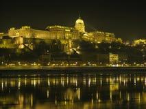 hungary för budabudapest slott natt Royaltyfri Bild