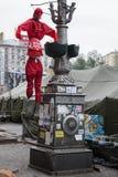 Hunged välfylld kommunist. Euromaidan Kyiv efter protest 10.04.2014 Royaltyfri Bild