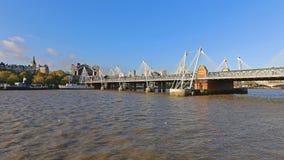 Hungerford и золотые мосты юбилея стоковое фото rf