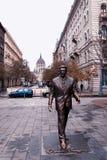HUNGRIA, BUDAPEST - em JANUARHUNGARY, BUDAPEST - 8 de janeiro: um mo fotografia de stock