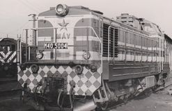 HUNGRIA CERCA de 1980 - locomotiva diesel - motores - estrada de ferro - trem -  V de Mà fotos de stock royalty free