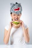 Hungrig varg Fotografering för Bildbyråer