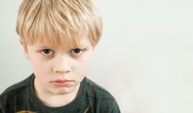 Hunsat barn fotografering för bildbyråer