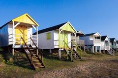 HUNSTANTON, NORFOLK/UK - 2 DE JUNIO: Chozas de la playa en Hunstanton viejo N Imagen de archivo libre de regalías