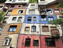 Huntdertwarsser hus i Wien Fotografering för Bildbyråer