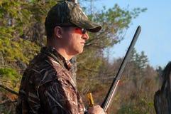 Hunter Preparing para chamar o pato Fotografia de Stock Royalty Free