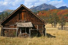 Free Hunting Cabin In Rocky Mountains Royalty Free Stock Image - 101831896
