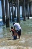 7-8-18 Huntington Beach, Ca en un día asoleado fotografía de archivo libre de regalías