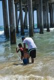 7-8-18 huntington beach, Ca na słonecznym dniu fotografia royalty free