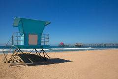 Huntington Beach Pier Surf City USA mit Leibwächterturm Stockbild