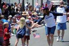 Huntington Beach 4to del desfile de julio, California, los E.E.U.U. imagen de archivo