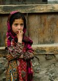 Hunza妇女画象全国服装的Karimabad巴基斯坦 免版税图库摄影