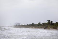 Huragan na plaży obrazy stock