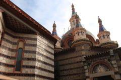 ? hurch w miejscowości wypoczynkowej Hiszpania obraz royalty free