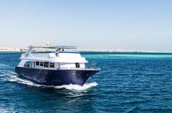 Hurgada, Egypte - 21 janvier 2017 : yacht en Mer Rouge Photos libres de droits