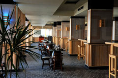 HURGHADA, ΑΙΓΥΠΤΟΣ - 14 ΟΚΤΩΒΡΊΟΥ 2013: Τροπικό ξενοδοχείο θερέτρου πολυτέλειας στην παραλία Ερυθρών Θαλασσών άνθρωποι hurghada τ Στοκ Εικόνα