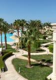 Hurghada, baie de Makadi, Egypte, le 12 juin 2018, vue supérieure de la route d'enroulement dans l'hôtel image libre de droits