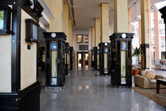 HURGHADA EGIPT, PAŹDZIERNIK, - 14, 2013: Tropikalny luksusowy hotel w kurorcie na Czerwonego morza plaży plażowi Egypt hurghada l Zdjęcie Royalty Free