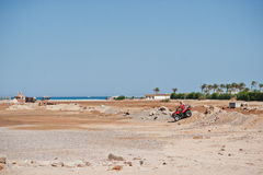 Hurghada, Egipto -20 agosto de 2016: Jinete del safari de la motocicleta en Foto de archivo libre de regalías