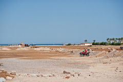 Hurghada, Egipto -20 agosto de 2016: Jinete del safari de la motocicleta en Imagen de archivo