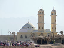 HURGHADA, EGIPTO - 13 DE NOVIEMBRE DE 2008: Incursión del safari para los turistas. Imagen de archivo