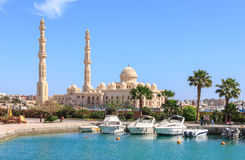 HURGHADA, EGYPT, APRIL 23, 2014: Mosque El Mina Masjid in Hurghada in sunny day, view from the sea royalty free stock photography