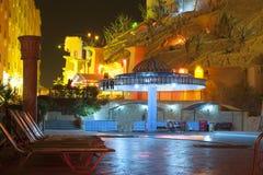 HURGHADA, EGYPT-DEKABR 20: Nachtansicht des sfinks Hotel territ Stockfotografie