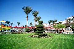 Hurghada Egypten - Augusti 15, 2015: Det lyxiga hotellet Dana Beach Resort för 5 stjärna i Hurghada är ett av Pickalbatrosen Är e Arkivbilder