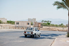Hurghada Egypten -20 Augusti 2016: Fiat/Nasr 128 GLS berlinebil Royaltyfri Foto