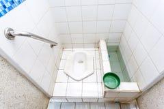 Hurkend toilet Royalty-vrije Stock Afbeelding